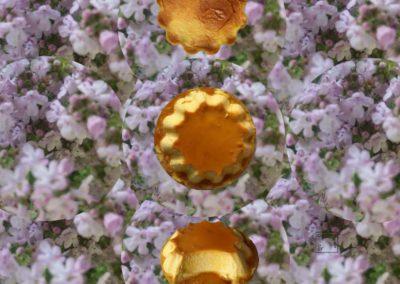 Flan au caramel fleuri au thym